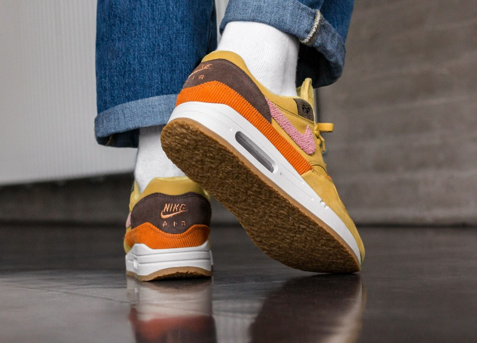 Nike Air Max 1 Crepe Wheat Gold Rust Pink CD7861-700 on foot back