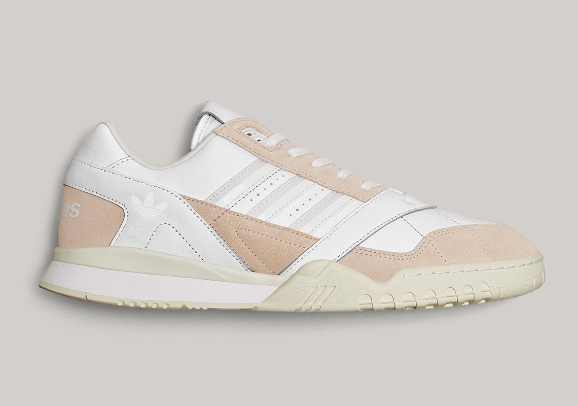 adidas-home-of-classics-AR-Trainer_EG5150_Lateral_006