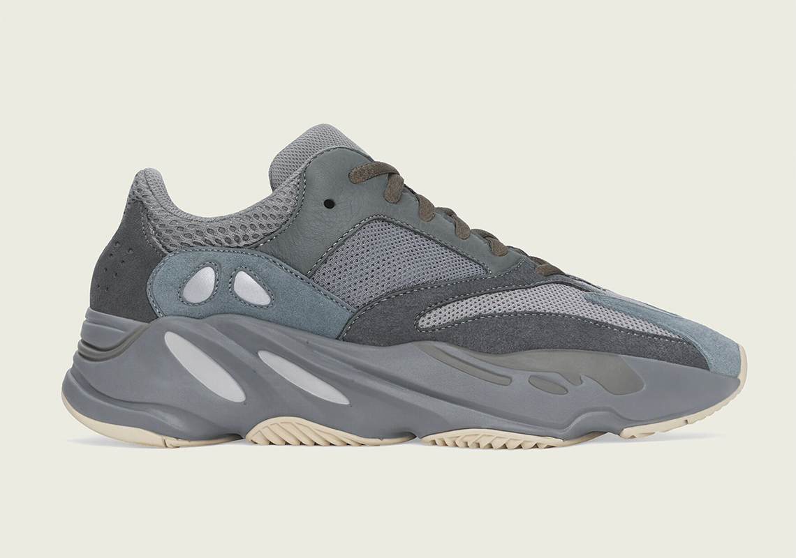adidas-yeezy-boost-700-teal-blue-fw2499-1