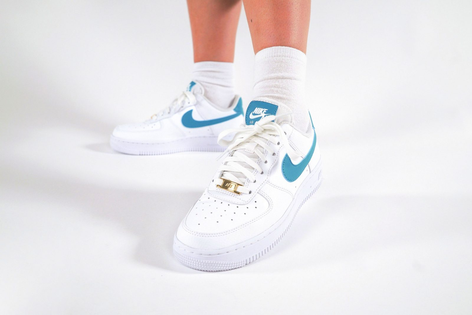 Nike Air Force 1 Teal Nebula The Sole Womens laces