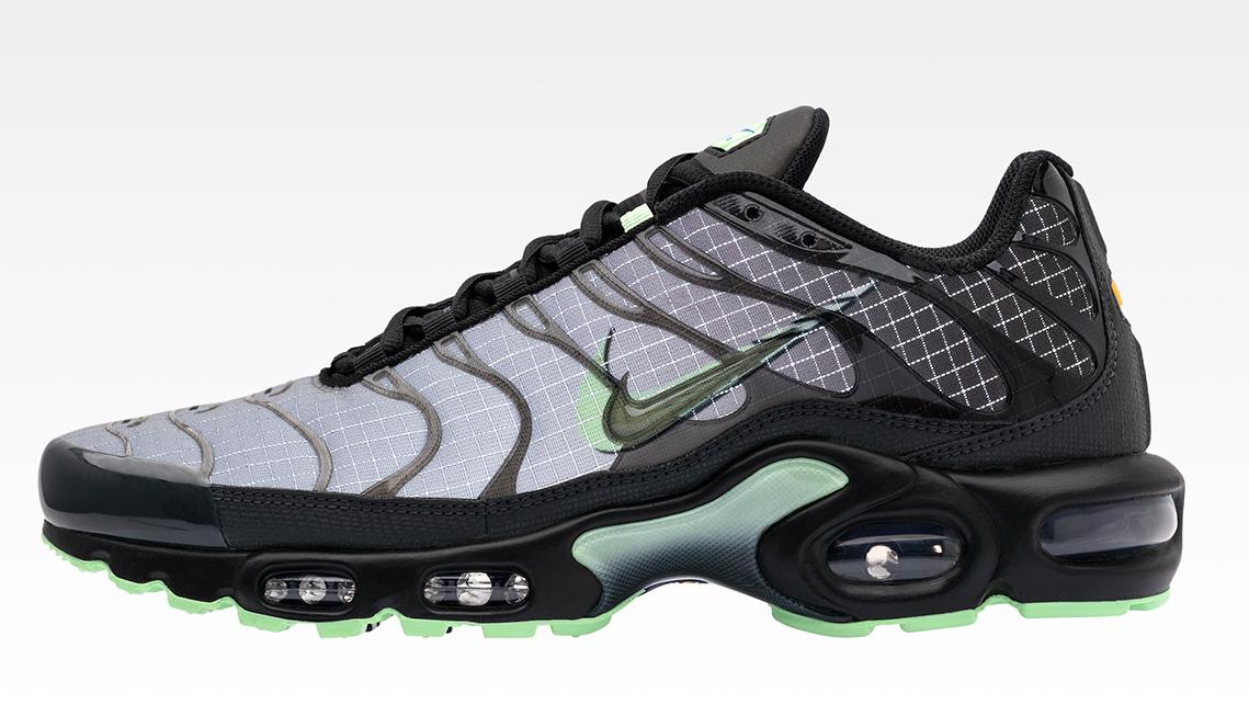 Nike-Air-Max-Plus-Future-Swoosh