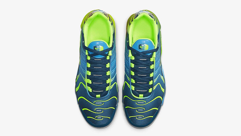 Nike Air Max Plus QS Blue Hero CT0962-401 middle