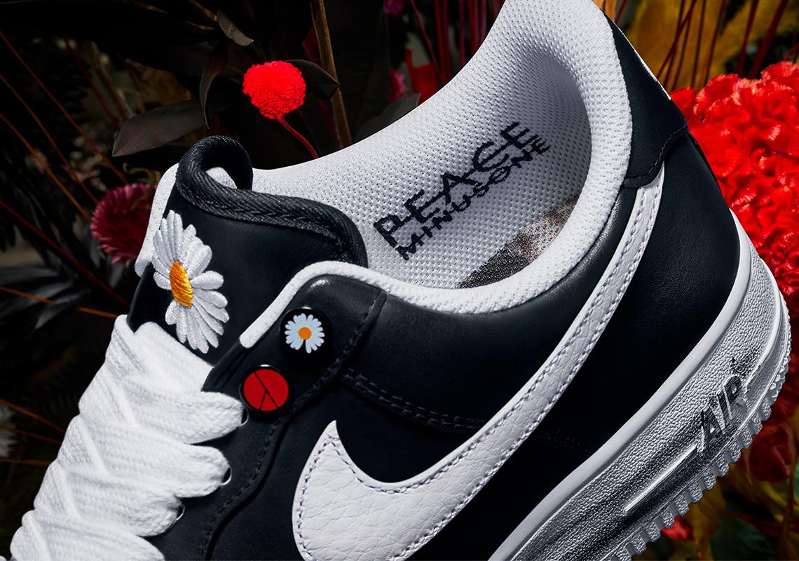 An Official Look At The Daisy Embroidered Nike X Peaceminusone Air Force 1 Para Noise The Sole Womens Bu ürünlerden tercihte bulunarak kaliteyi uygun fiyata sahip olabilirsiniz. an official look at the daisy