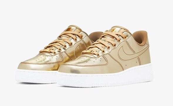 Nike Air Force. 1 Metallic Gold front