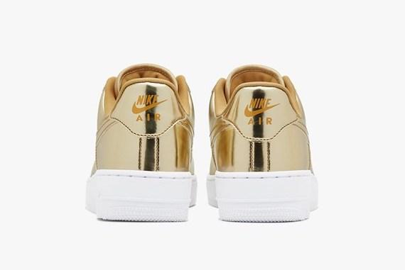 Nike Air Force. 1 Metallic Gold