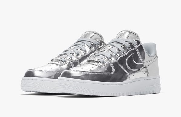 Nike Air Force. 1 Metallic Silver front