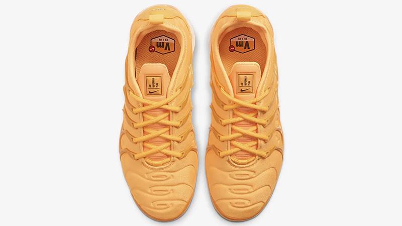Nike Air VaporMax Plus Orange middle