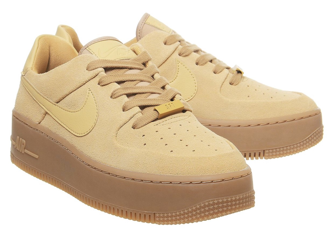 SAVE £20 On The New Nike Air Force 1 Club Gold In Offspring's Sale!