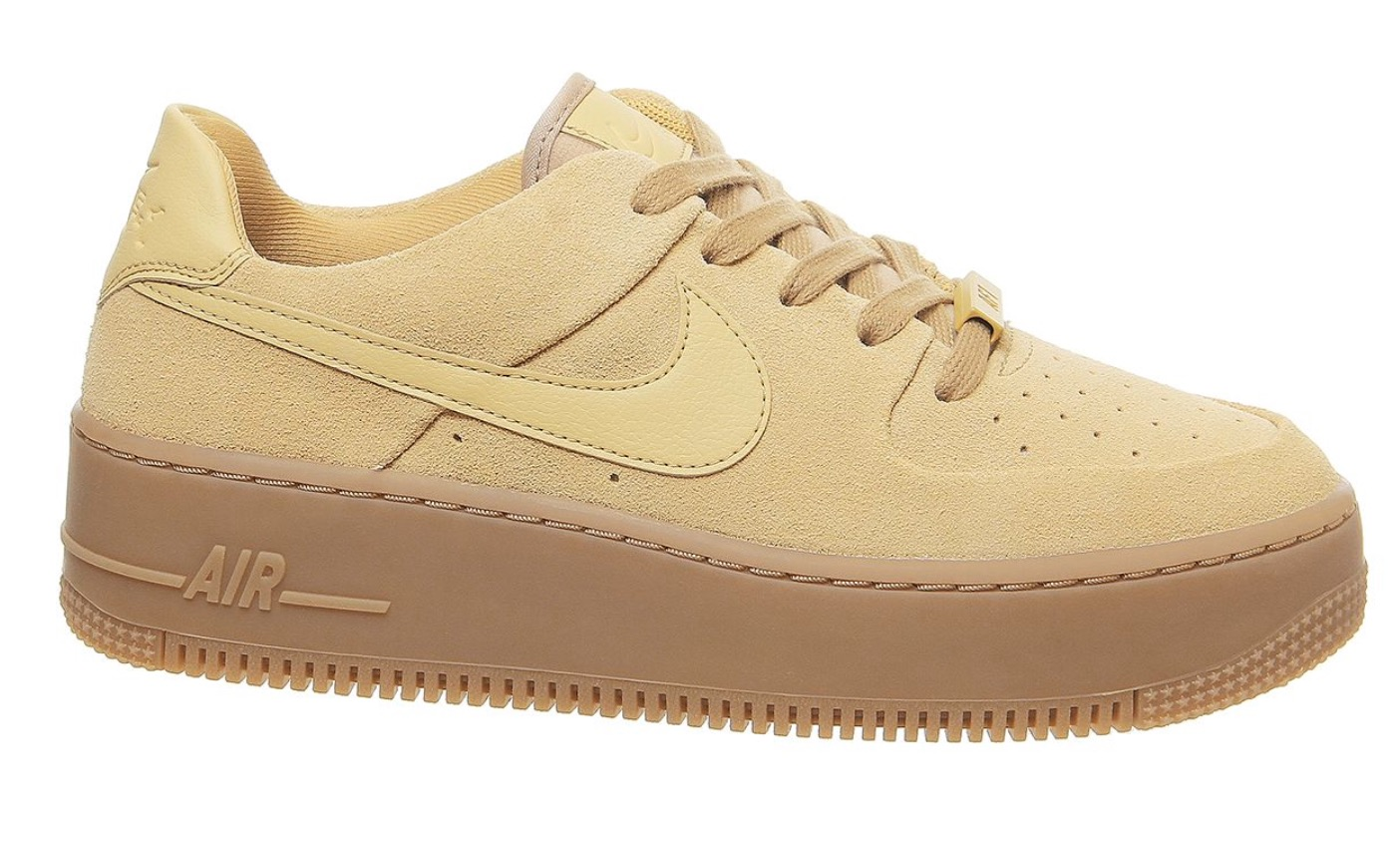 SAVE £20 On The New Nike Air Force 1 Club Gold In Offspring's Sale! side