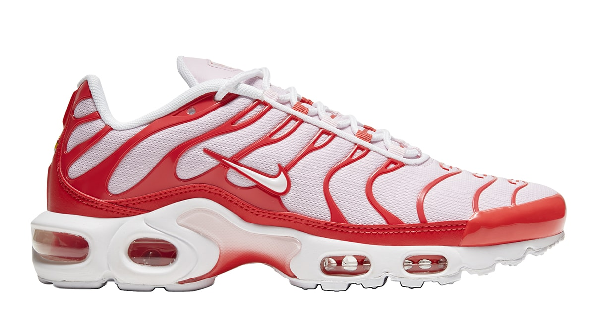 nike-air-max-plus-white-red-cw7040-600-release-date-info-1