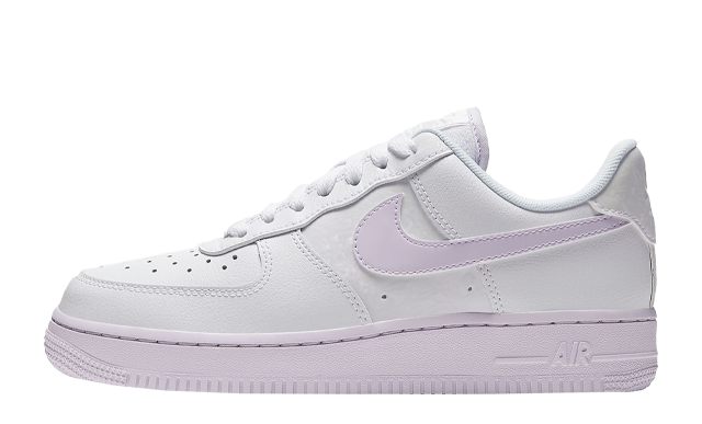 Nike Air Force 1 07 Barely Grape
