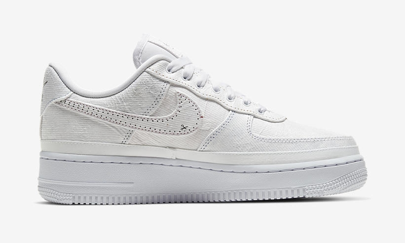Nike Air Force 1 Low LX White side