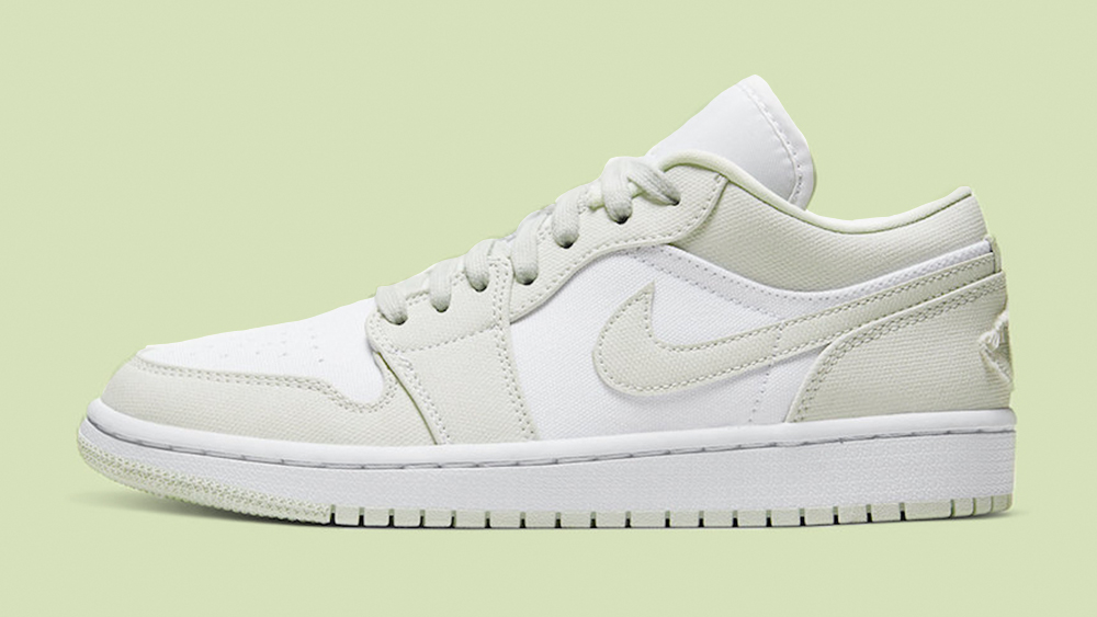 Sinewi Solo haz raya  Heads Are Set To Turn With This Nike Air Jordan 1 Low 'Spruce Aura'   The  Sole Womens