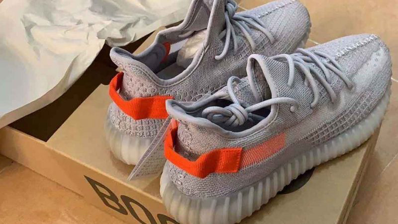 Yeezy Boost 350 V2 Tail Light FX9017 heel