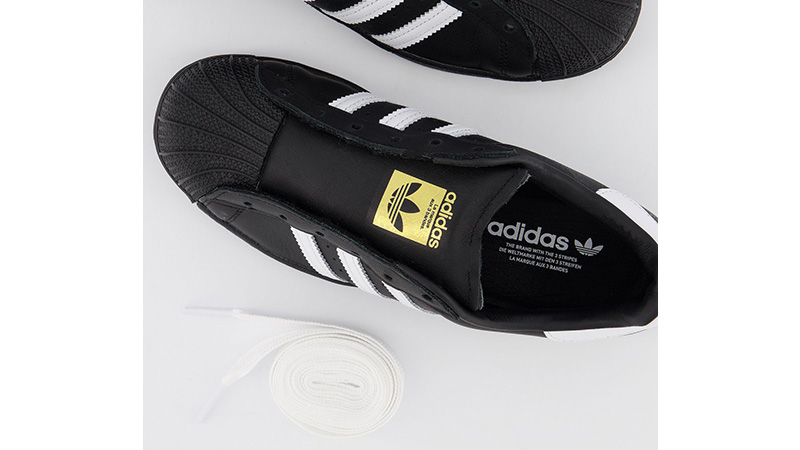 adidas Superstar Black White miidle