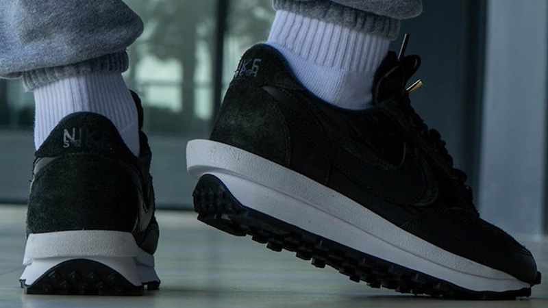 sacai x Nike LDWaffle Black BV0073-002 on foot back