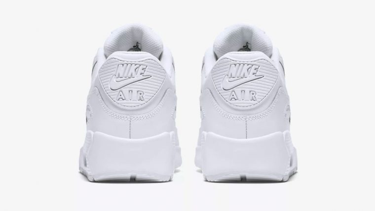 https://www.nike.com/gb/t/air-max-90-leather-older-shoe-gSWCnT/833412-100 heel thumbnail image