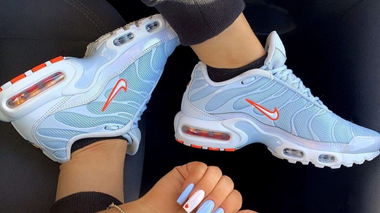 oficina postal Equivalente nadar  SAVE 20% On The Hottest Nike Air Max Plus At Foot Locker! | Style Guides |  The Sole Womens