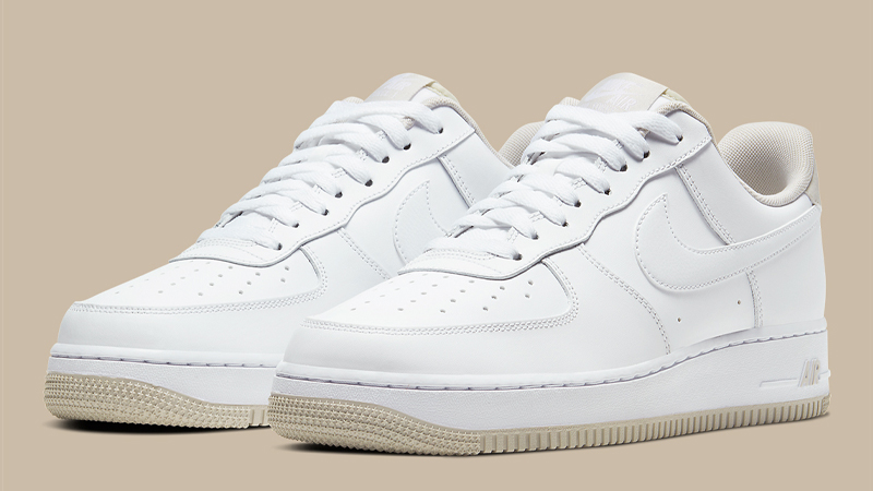 Afirmar desayuno camuflaje  Nike Air Force 1 07 White Light Bone | CJ1380-101 | The Sole Womens
