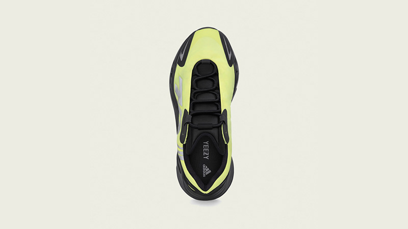 Yeezy Boost 700 MNVN Phosphor Middle
