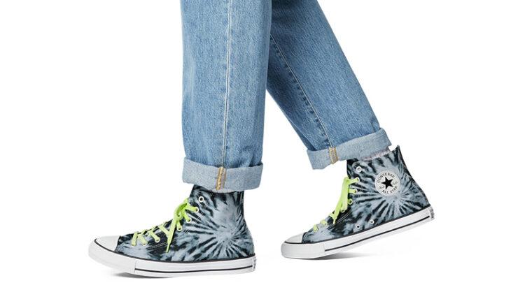 Converse Chuck Taylor All Star Twisted Vacation Black Lemongrass On Foot thumbnail image