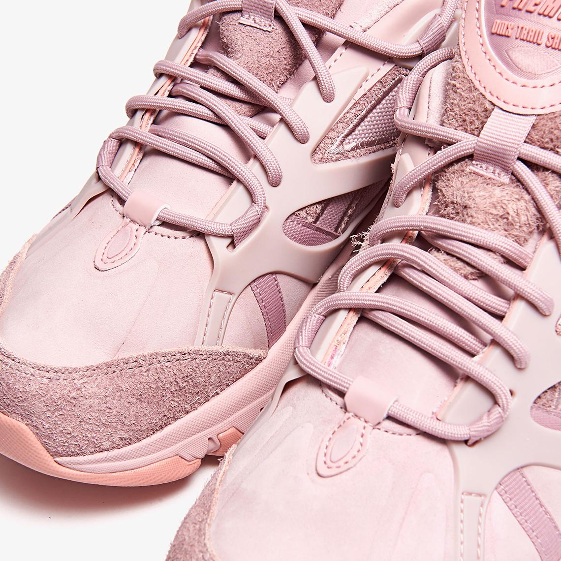 Reebok-DMX-Trail-Shadow-Pink- laces