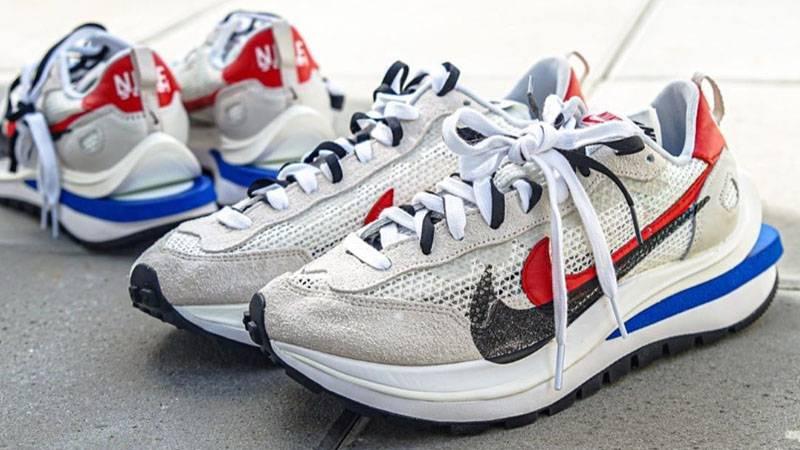 sacai x Nike Vapor Waffle Sail Sport Fuchsia Lifestyle