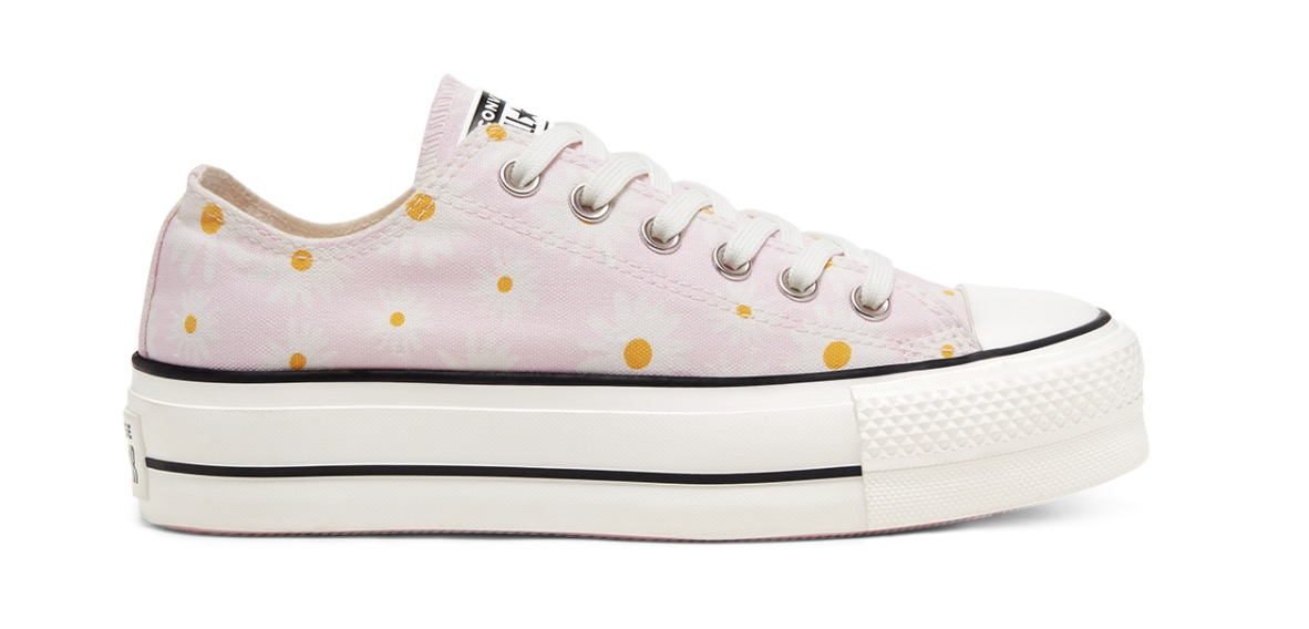 Camp Daisies Platform Chuck Taylor All Star Low Top