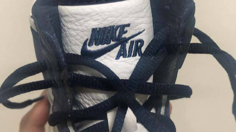 Jordan 1 High OG Japan Midnight Navy In Hand Tongue