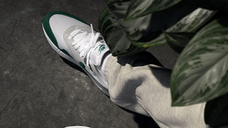 Nike Air Max 1 Anniversary Hunter Green On Foot Top thumbnail image