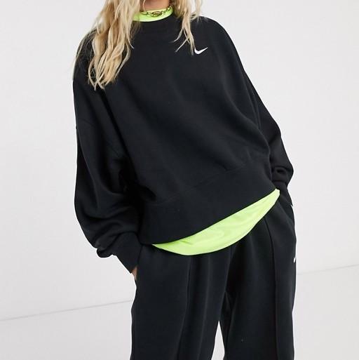 Nike Swoosh Oversized Sweatshirt