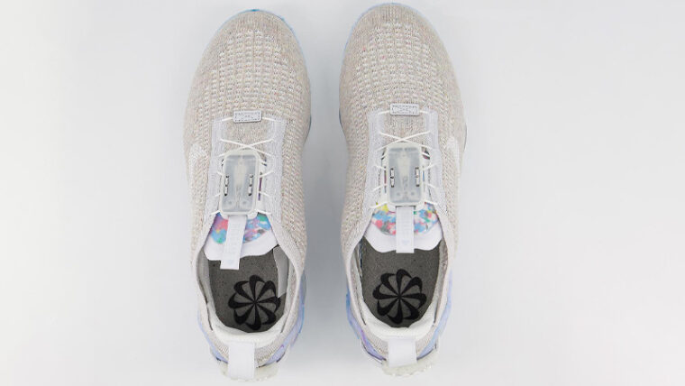 Nike Air VaporMax 2020 Flyknit Summit White Middle thumbnail image