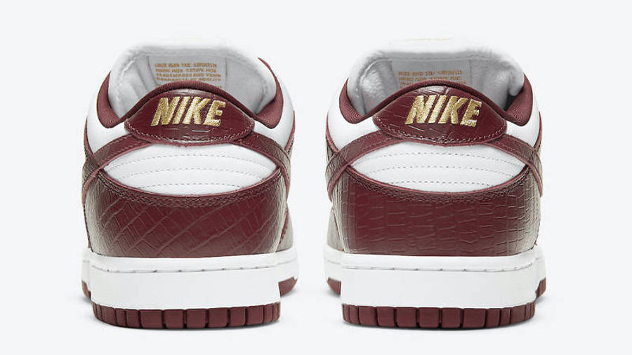 Supreme x Nike SB Dunk Low Stars Barkroot Brown Back