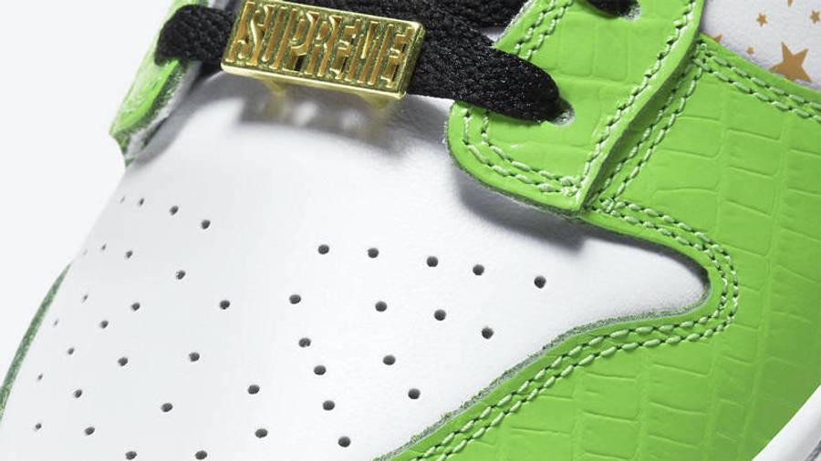 Supreme x Nike SB Dunk Low Stars Mean Green Closeup