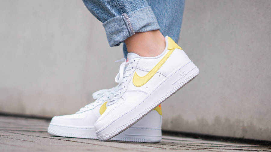 Nike Air Force 1 07 White Light Citron On Foot