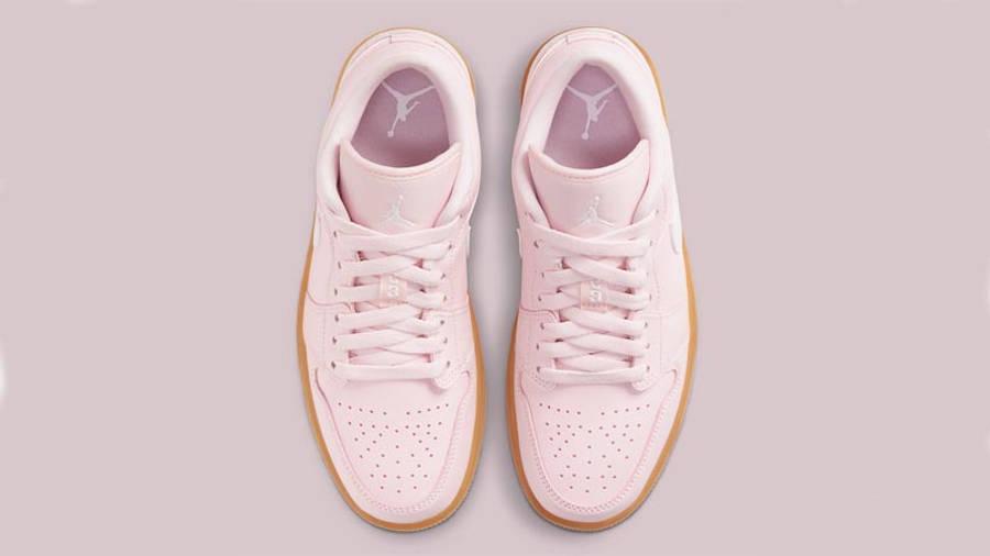 Jordan 1 Low Arctic Pink Gum Light Brown Middle