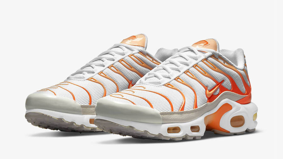 Nike TN Air Max Plus White Atomic Orange Front