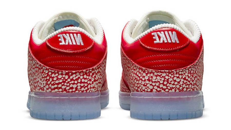 Stingwater x Nike SB Dunk Low Magic Mushroom Back