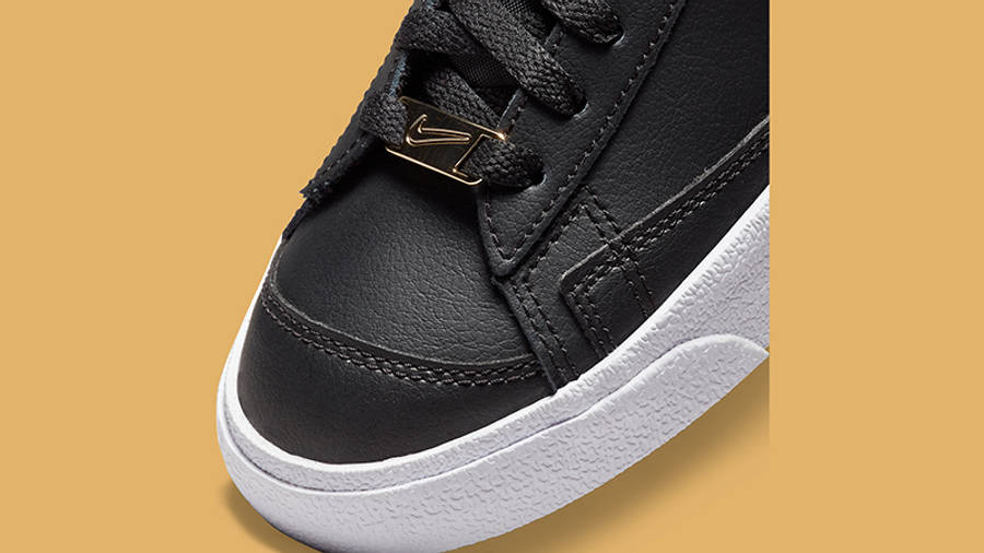 Nike Blazer Mid 77 Metallic Swoosh Black DH0070-001 Detail